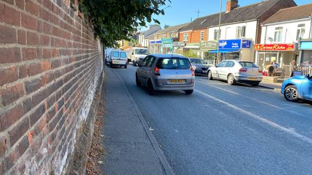 The narrow pavement in Unthank Road