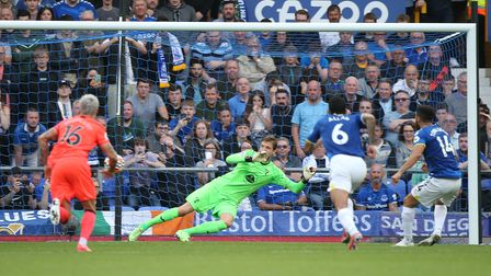 Andros Townsend of Everton scores his sides 1st goal from the penalty spot during the Premier League