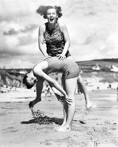 Old beach pictures of Cornwall