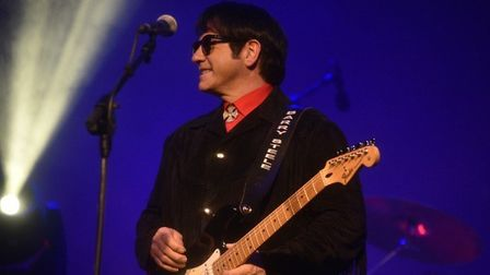 Barry Steele is Roy Orbison in 'The Big O'