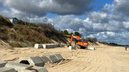 Private sea defence work halted at Hemsby