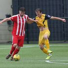 Bradley Sach of Bowers and Mickey Parcell of Hornchurch during Bowers & Pitsea vs Hornchurch, Emirat