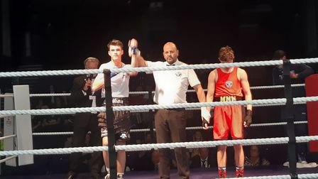 Nathan Barrett won RSC contest second round against Maxwell Asslett, Guildford City ABC