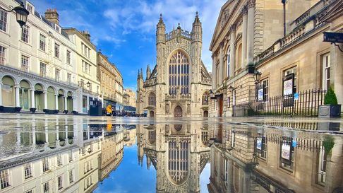 The stars have been out for the filming of the Wonka movie at Bath Abbey