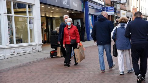 Ipswich Town Centre shoppers wearing masks