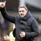 Norwich Head Coach Daniel Farke gives the thumbs up to the fans at the end of the Premier League mat