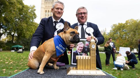 Andrew Rosindell and Mark Francois with Vivienne, who won Westminster Dog of the Year