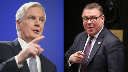 Chief EU negotiator Michel Barnier (L) and Tory MP Mark Francois, who chairs the Eurosceptic governm