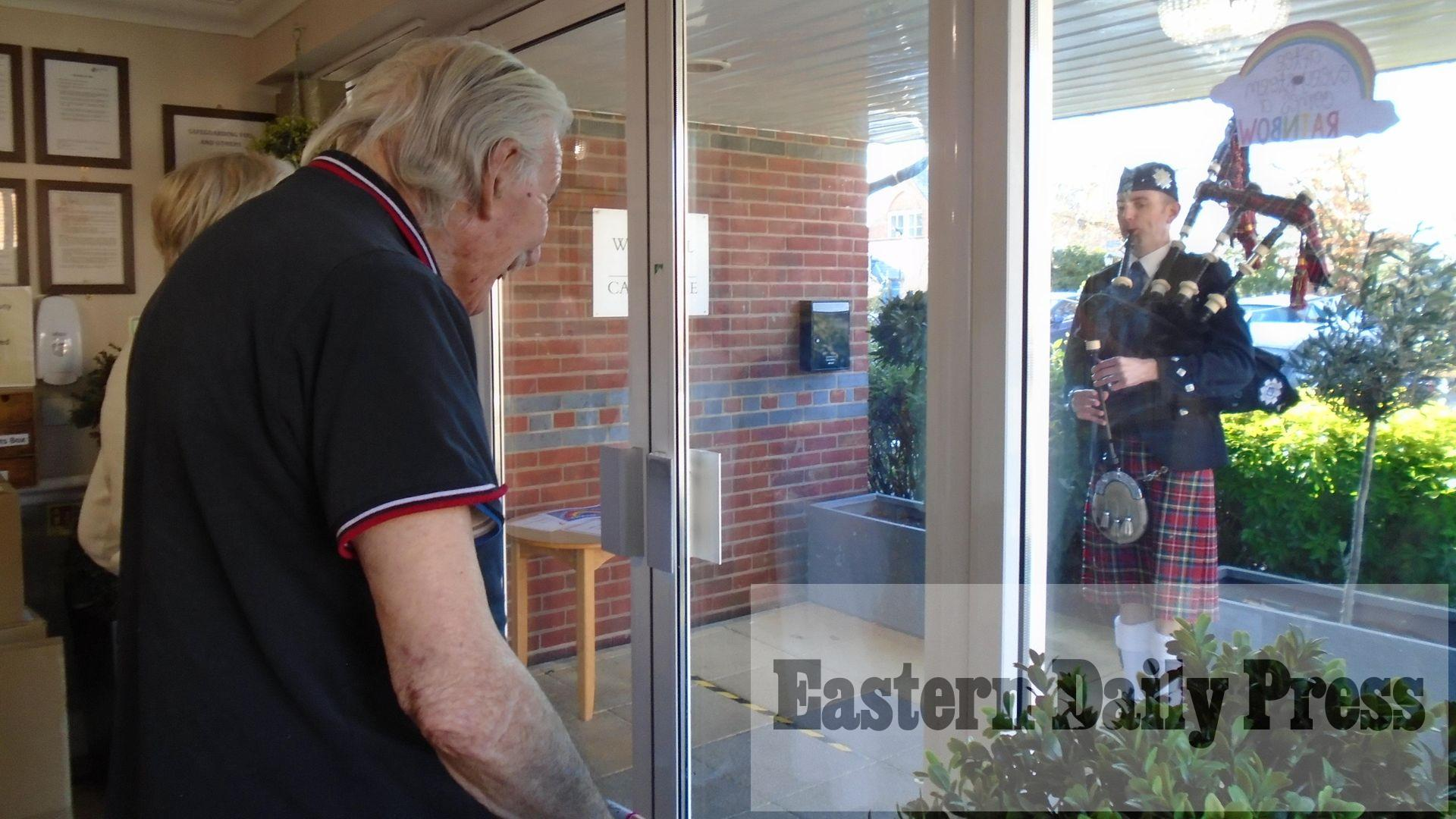 Bagpiper lifts spirits for care home residents on Burns Night